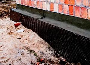Защищаем бетон и кирпичь гидроизоляцией